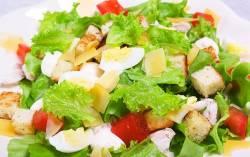 Салат цезарь с лососем в домашних условиях рецепт